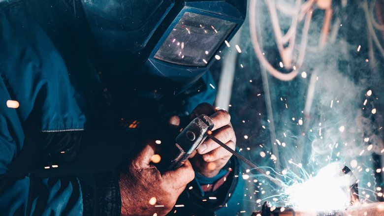 Manufacturers target 'growth leaders' as industry shrugs off market uncertainty